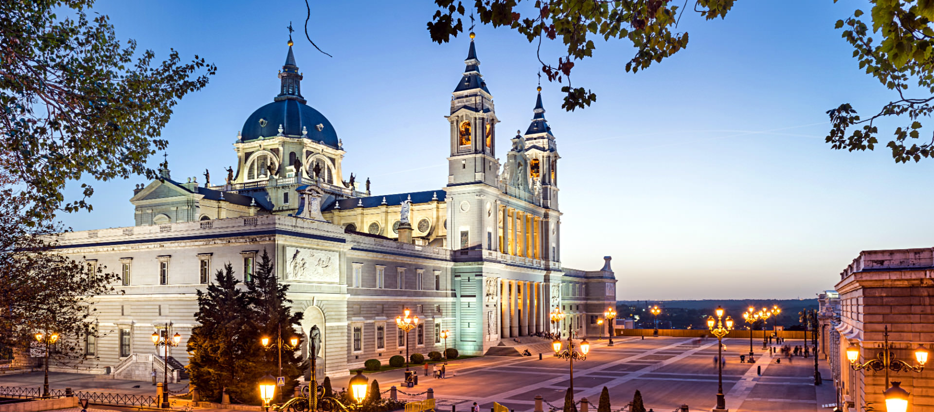 cathedral_almudena_madrid_ogotours