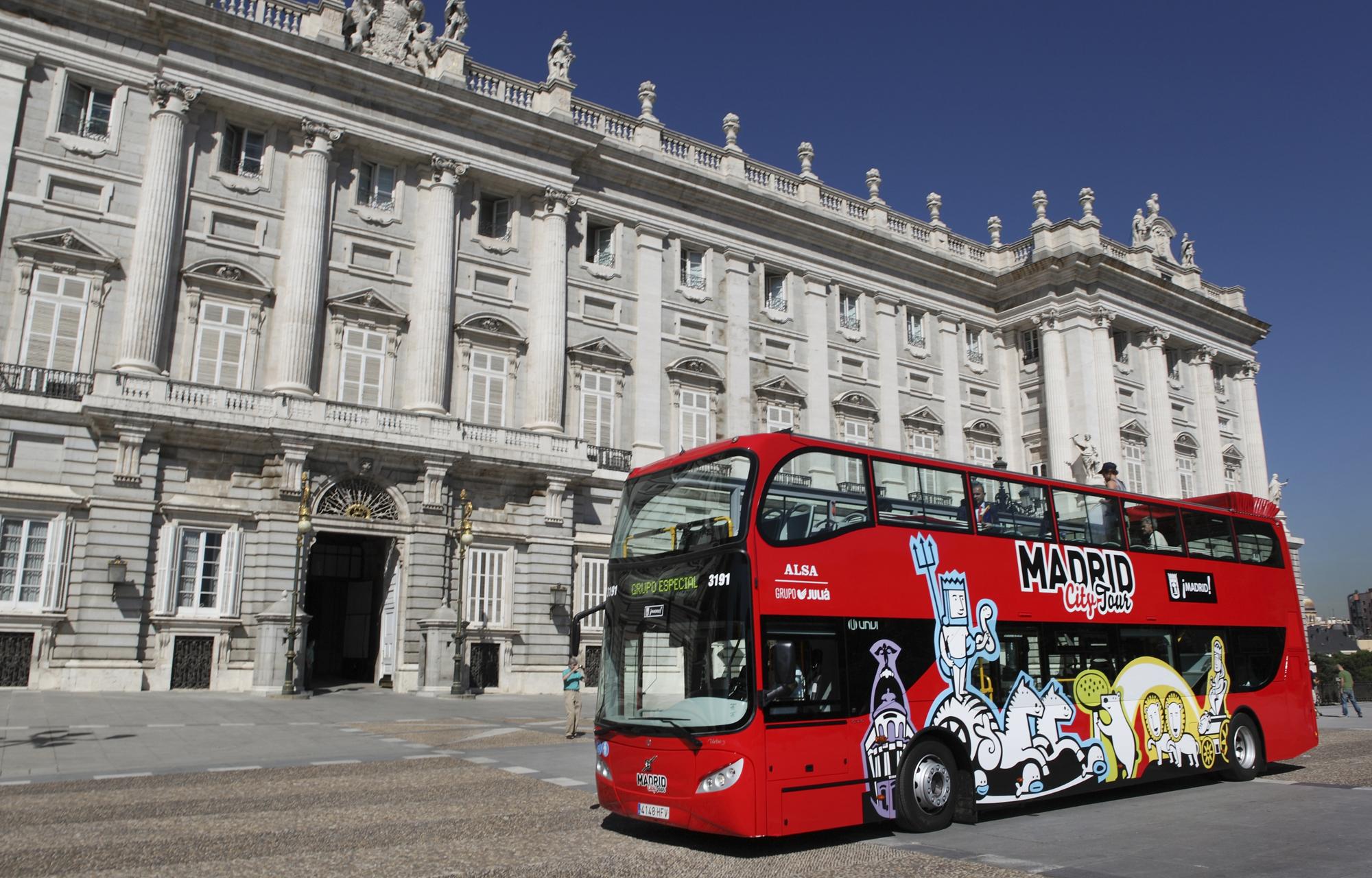 Autobus turistico a due piani