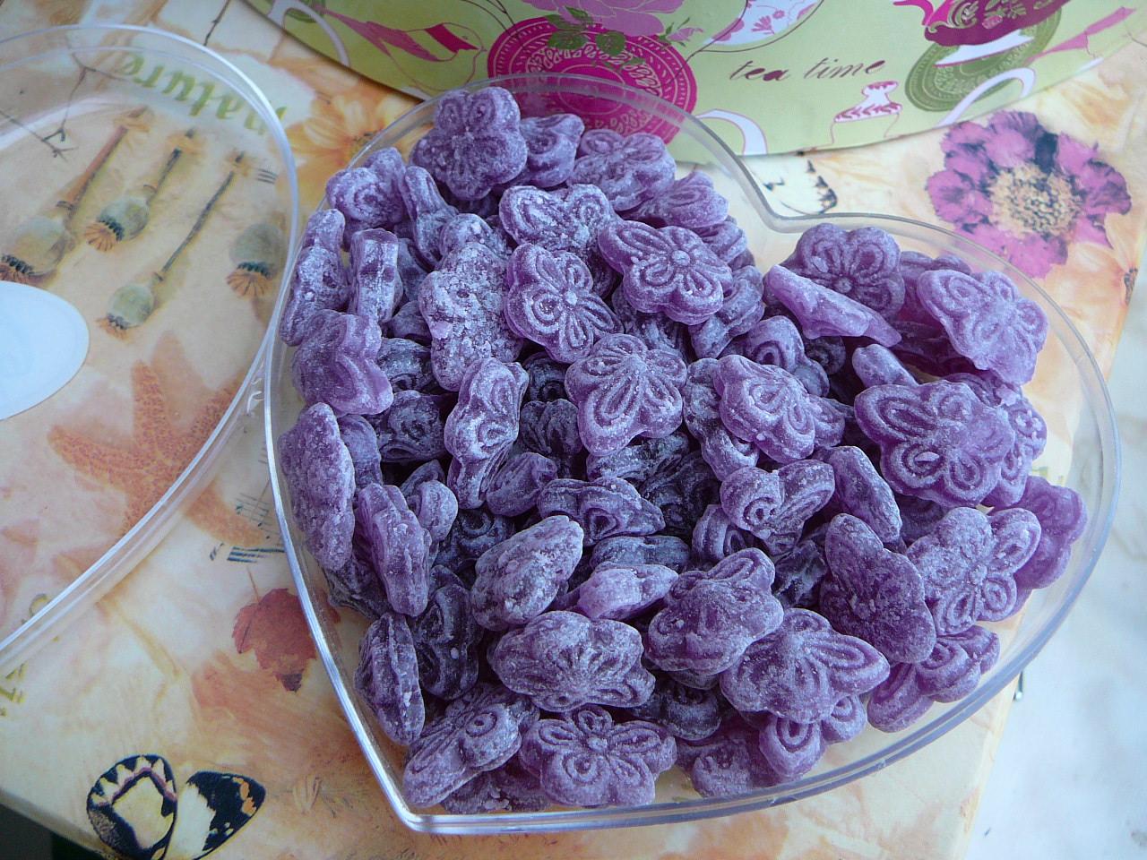 Il caramelle alla violetta