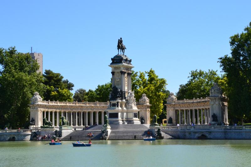 Monumento dedicato al re Alfonso XII