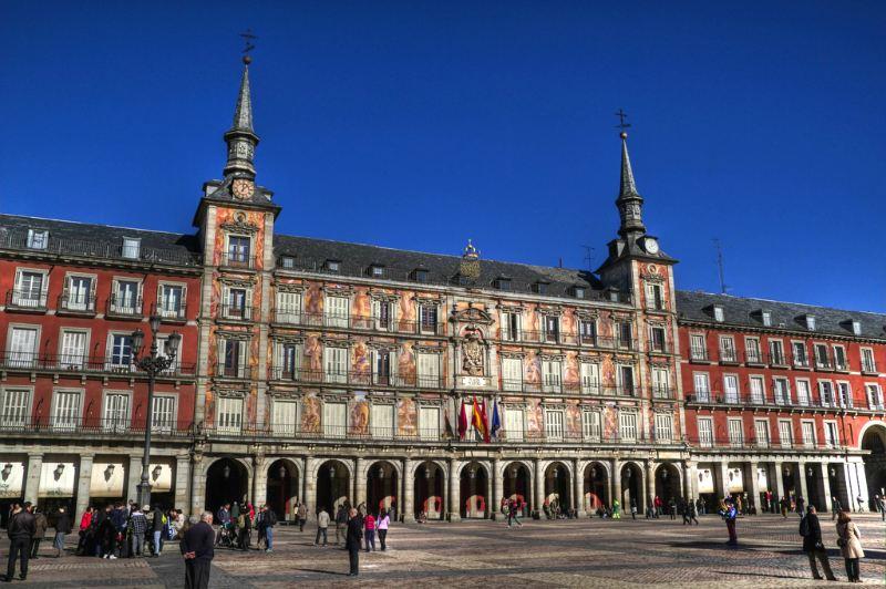 Plaza Mayor di Madrid (Casa del Panificio) - Questo edificio è l'unico decorato con affreschi / foto: rwoan (Flickr / C.C.)