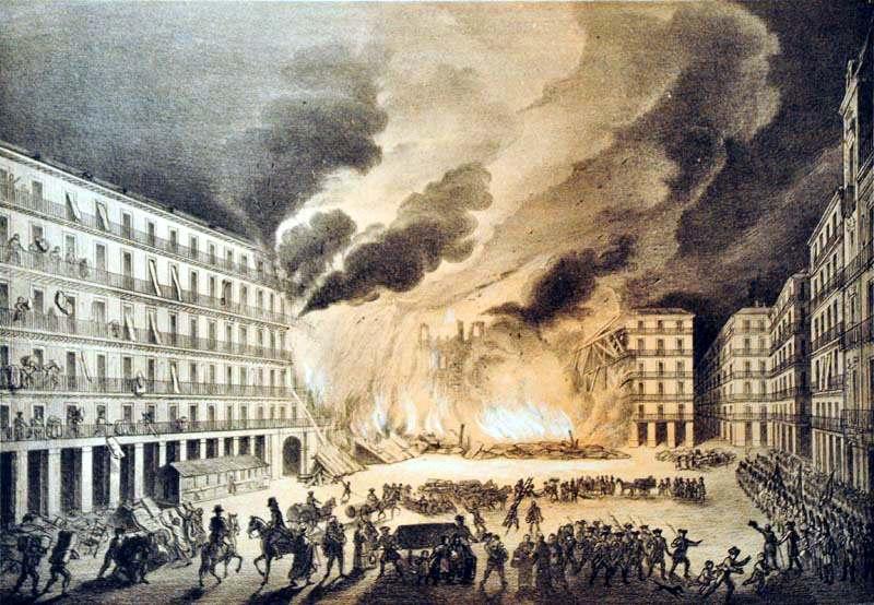 Plaza Mayor di Madrid durante uno dei tre incendi